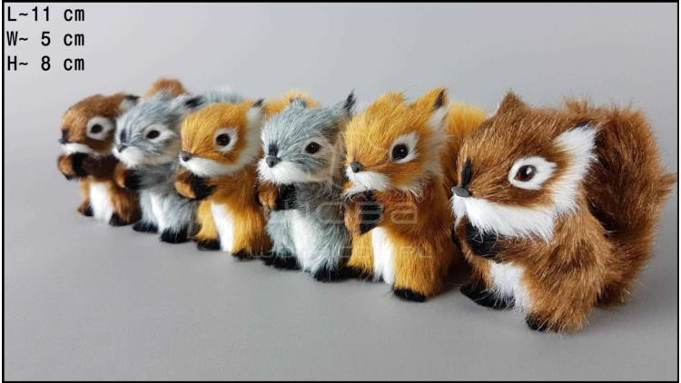 Middle-sized squirrels (6 pcs in a box)