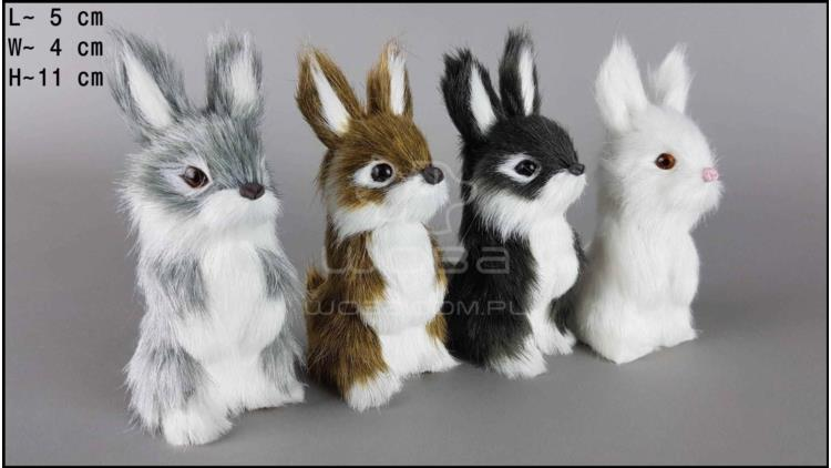Hares sitting (4 pcs in a box)